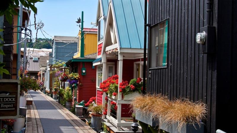 Eastlake guide moving to Seattle StreetAdvisor