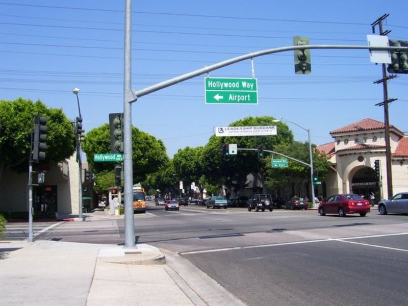 North hollywood guide moving to los angeles streetadvisor for Moving to los angeles guide