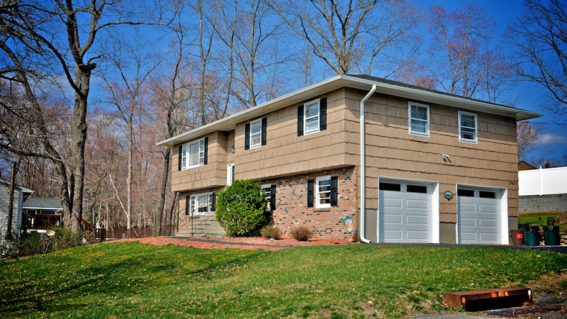 crompond singles Crompond, ny real estate & homes for sale homes for sale in crompond, ny have a median listing price of $299,000 and a price per square foot of $227 there are 4 active homes for sale in crompond, new york, which spend an average of days on the market.