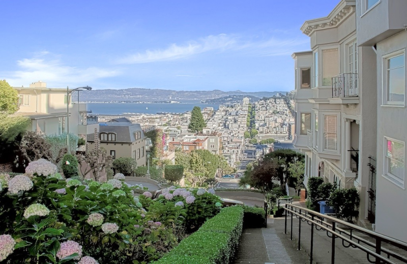 Russian hill guide moving to san francisco streetadvisor for Best homes in san francisco