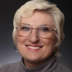 Clara Saxton