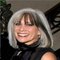 Lisa DeBella
