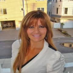 Gina Macom