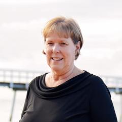 Kathy Earixson